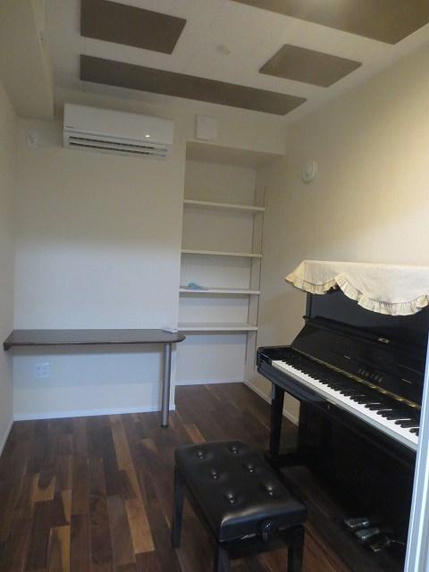 完成写真です。ピアノも入りました。