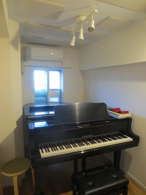 無事にピアノが搬入されました。
