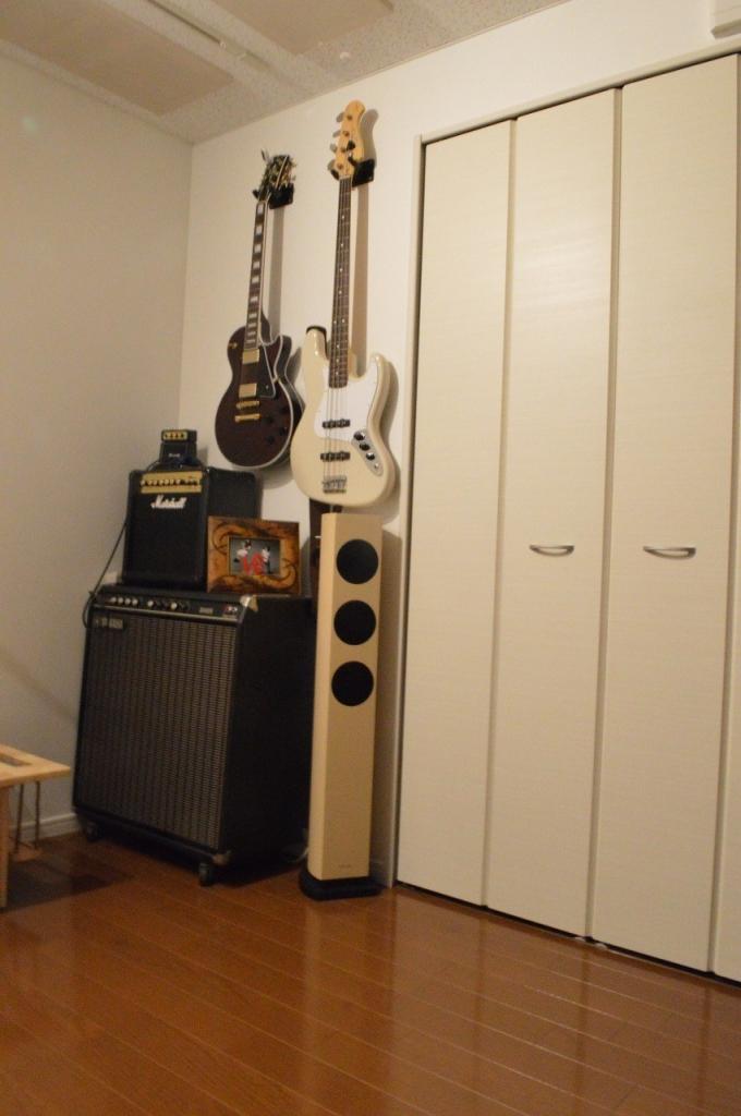 お客様からクロス施工後に機材や楽器が入ったお写真を頂きました。
