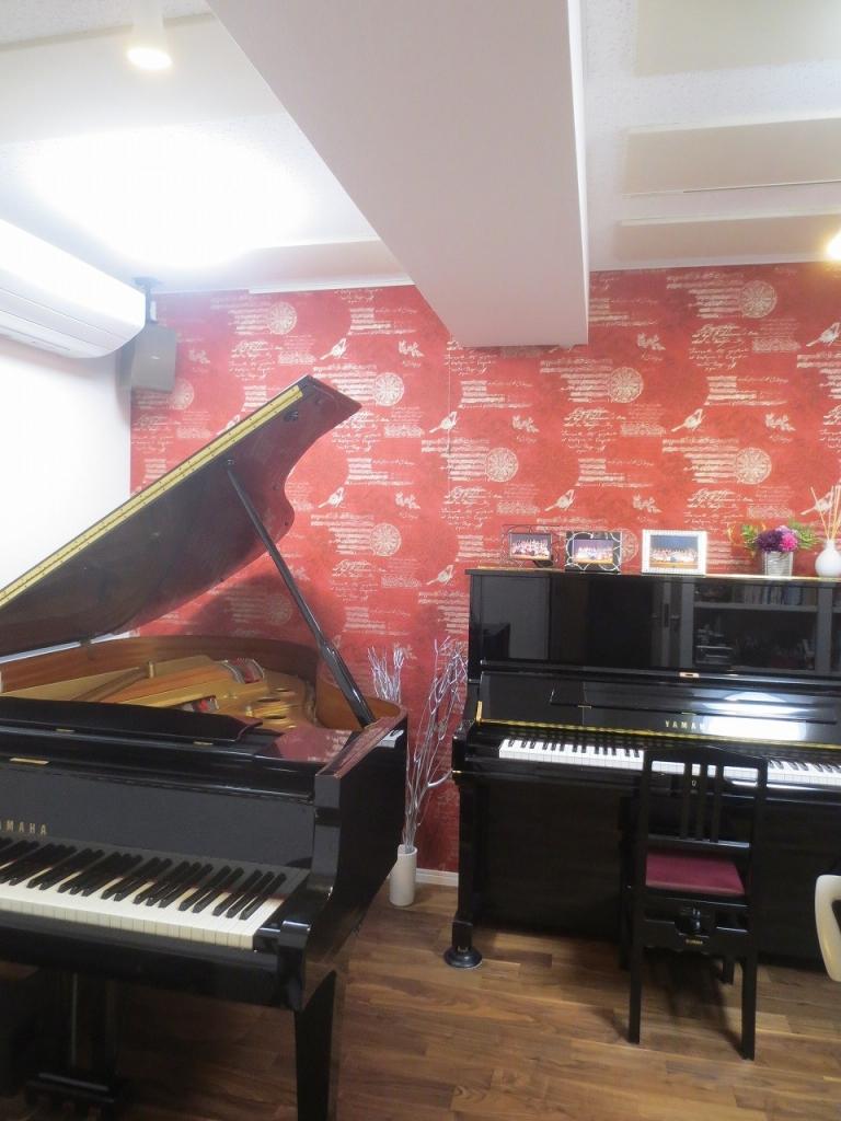 防音室を検討中のお客様の防音室見学にご協力いただきました。約1年ぶりにお邪魔し、ピアノ搬入後のお部屋の写真を撮らせていただきました♪ ありがとうございました。