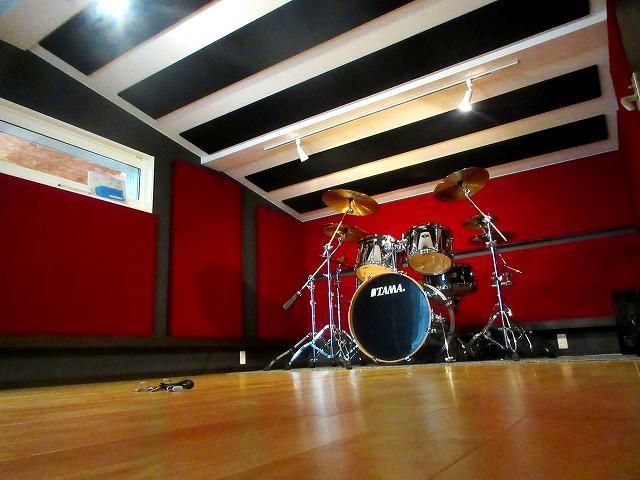 ドラムが入りました。