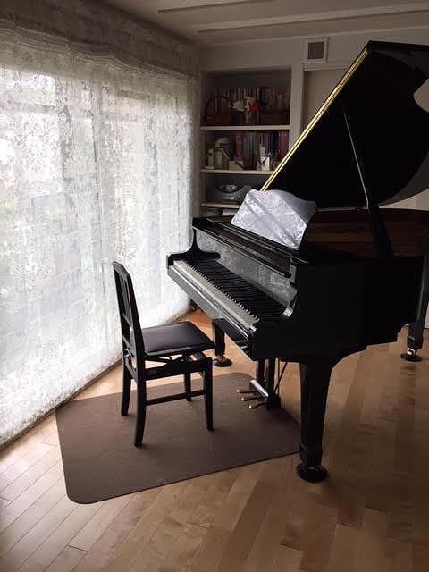 お客様からピアノ搬入後のお写真をいただきました。 ありがとうございました。