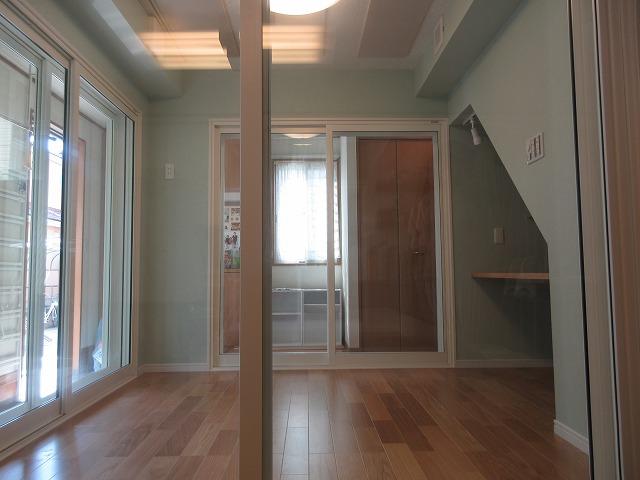 完成です。3面に開口部があるので開放的で明るい印象のお部屋です。