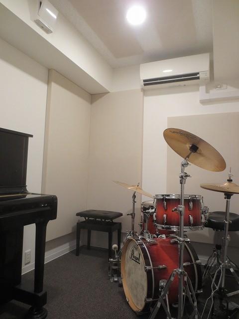 楽器が搬入されました。