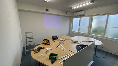 工場内に会議室を防音改修工事