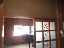 正面に見える窓は今回ふさいでしまいました。遮音性や予算を考えながらベストな環境をつくります。