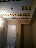 天井は吸音パネルを取り付け吸音天井となります。