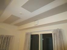 天井には吸音パネルを取り付け、長時間の練習にも疲れにくい空間に・・・