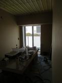 壁ができあがり、天井の遮音補強中です。