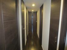 奥のドアが防音室のドアです。