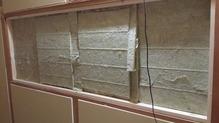 既存の窓も遮音補強で埋めてしまいます。