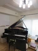 クロス施工後、ピアノが入りました。 お部屋の印象もガラッと変わります。