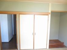 押入れと床の間も取り壊してお部屋を広く使います。