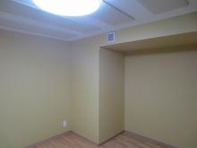 クロス施工前のお部屋です。