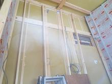 防音室の中の様子です。 防音室の二重構造をつくっていきます。