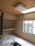 改修前のお部屋です。 既存の床・壁・天井などを解体します。