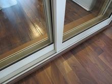 樹脂サッシもお部屋の雰囲気を古民家風にするため、ヒーリンググレー色を使用しました。 当社では初の事例です。