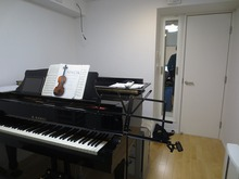音楽室にはYAMAHA C3 がはいりました。