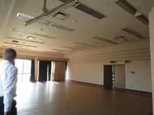 改修前のホールです。