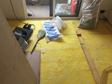 床の撤去作業です。