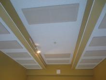 吸音天井です。