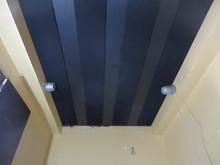 天井は吸音天井です。 お客様の好みの音響空間になるよう計画しています。
