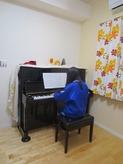 クロス施工後にピアノがはいりました。
