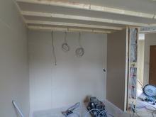新規でつくった間仕切り壁には楽譜棚を設ける計画です。