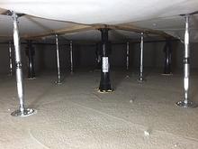 床下の束補強を行いました。 次に浮き床をつくっていきます。