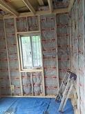 床の造作後は、壁と天井の遮音補強を行います。