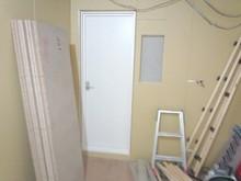 躯体の壁と天井の遮音補強も行います。