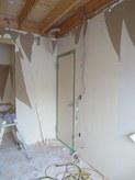 ドアは2重の防音ドアを取り付ける計画です。