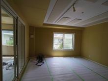ボード張りが終わり、吸音天井も仕上がりました。