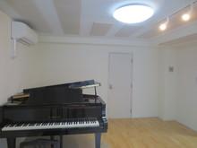 約12畳の広さがあるので、C5サイズのグランドピアノが入っても広々しています。
