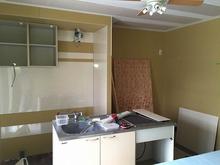 遮音壁・吸音天井ができあがり、完成間近です。最後にキッチンを再設置していきます。