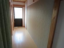 クロス施工後です。開口部を塞いだ壁も自然な仕上がりです。
