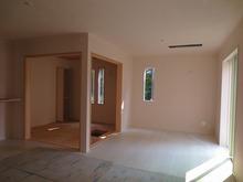 改修工事開始です。 和室内の収納には防音ドアを取り付け、 そのままの広さで使えるように計画しました。