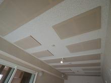 クロス工事完了です。 天井は吸音材で仕上げます。