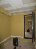 木工事が完了です。遮音測定も行いました。壁のクロスと床のタイルカーペットはハウスメーカーさんの施工になります。クロス張りが終わり次第、壁の吸音パネルを取り付けます。