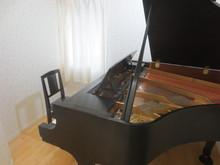 ピアノが入りました。お客様には、想像していたより広いと言って頂けました。