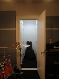 ギターブースへの入り口です。