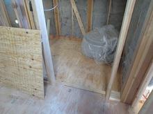 新築工事の場合、ハウスメーカさんにジョイント工事させてもらえれば解体工事がないので余分な費用がかかりません。