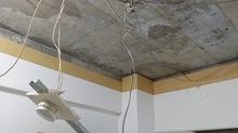 解体作業が始まりました。 天井解体後です。