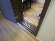 当社の防音室の出入口は木製の防音ドアを2重で取り付けます。