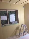 腰窓には内側に樹脂サッシが2重で入り、3重の窓に仕上がります。