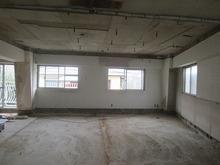 リフォーム業者さんの解体工事後、当社の施工が始まりました。