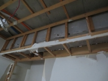天井の解体完了です。天井高を確保するため解体を行います。