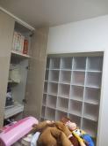 改修前のお部屋です。 既設のクローゼットは取り壊し、防音工事を施した後にドレス掛けと楽譜棚を設けます。