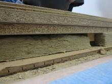工事が始まりました。浮き床の施工です。 今回は床組のない構造だったので、既設の床の上に浮き床を作ります。
