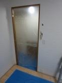 浮き床を施工したので、12センチほど床が上がりました。